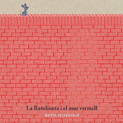 ¿Qué hay al otro lado del Muro Rojo? Los amigos de Ratoncita no quieren saberlo y en realidad tienen miedo del muro. ¿Encontrará Ratoncita el coraje para viajar a lo desconocido? ¿Quizás al otro lado le espera un mundo de libertad?