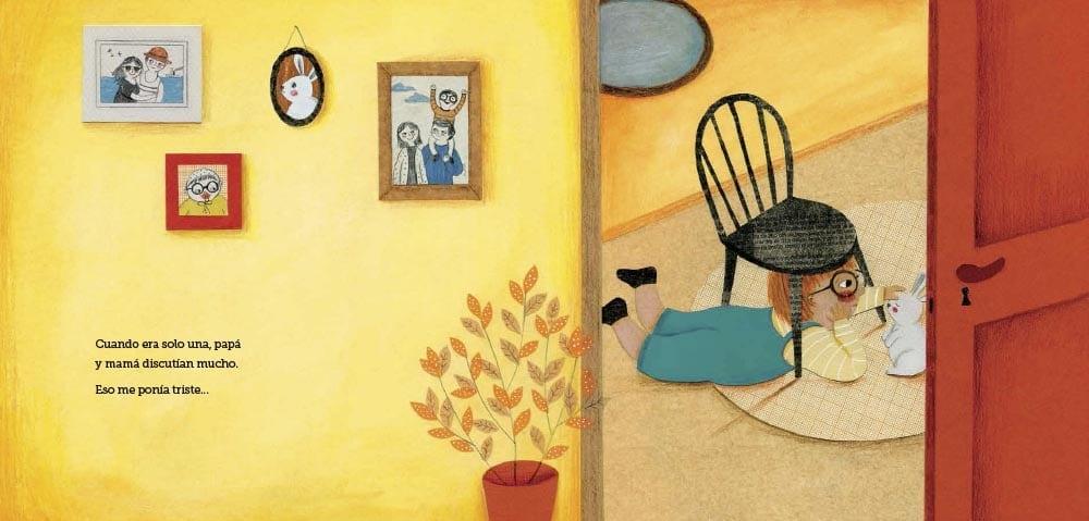 hay un espejo mágico. Y en el centro del libro las historias se unirán.